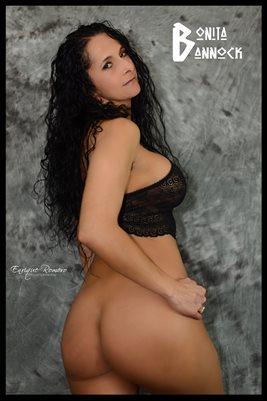 MODEL BONITA BANNOCK 04 - Glamour Nude