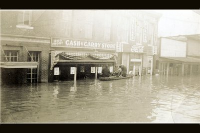 Cash & Carry Store & Coca Cola Store Flooded 1937?