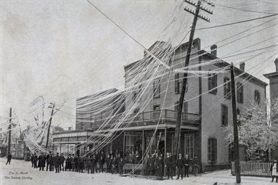 1902 ICE STORM, BROKEN WIRES IN FRONT OF THE ST. NICHOLAS, PADUCAH, KENTUCKY