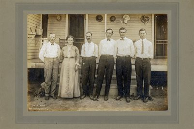 DOBBINS FAMILY, HENRY COUNTY, TENNESSEE