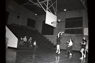 Feb.15, 1947 Mayfield High School Girls Basketball Team2