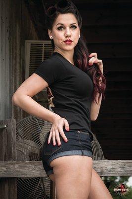 Nikki Riot