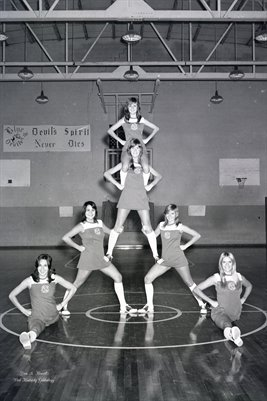 (PHOTO2) OCT. 30 1973 LOWES HIGH SCHOOL CHEERLEADERS