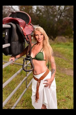 Model Shawna Roberts In Country