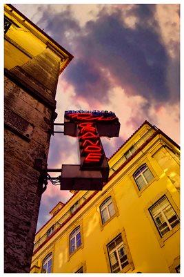 Poster - Neon Sign, Pink Street - Lisbon