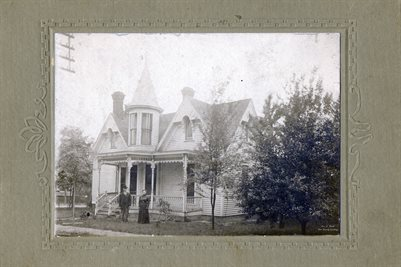 OLD HOUSE IN FULTON AREA. CROFT FAMILY COLLECTION
