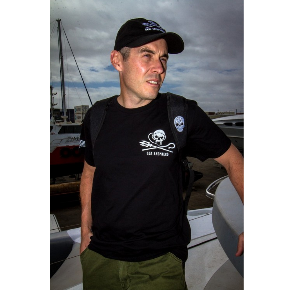 Sea Shepherd Jolly Roger Dive Short-Sleeve T-Shirt - 100% Organic Cotton