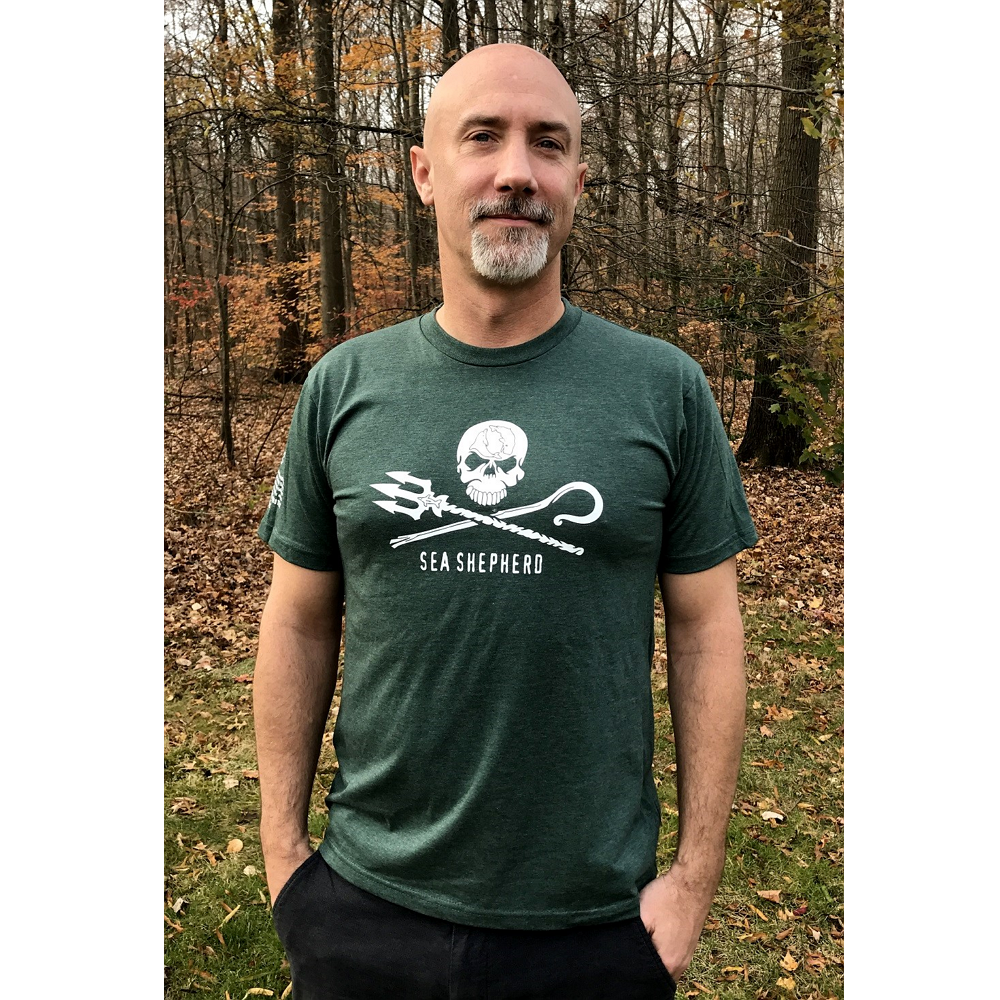 Sea Shepherd Men%27s Jolly Roger Logo Tee