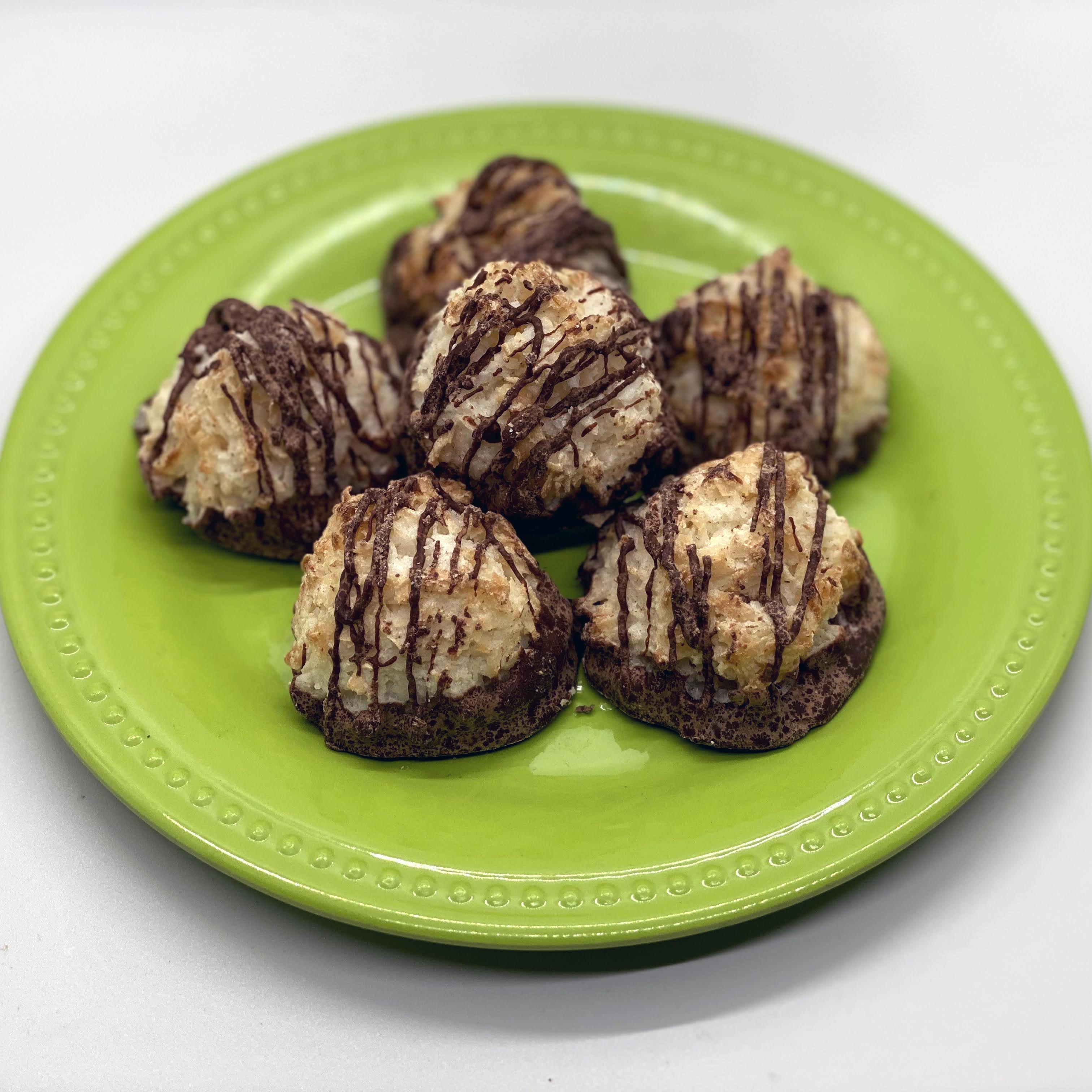Gentle Barn Vegan Macaroons vegan dessert, cruelty free dessert, vegan macaroons, vegan cookies