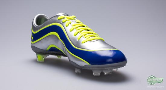 wholesale dealer af9a9 24122 Here the Mercurial R9 saw the light of day and it quickly found its way to  the best striker of his time  Ronaldo Luís Nazário de Lima from Brazil, ...
