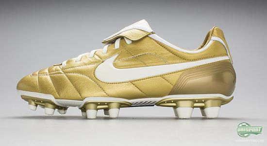 Nike Tiempo 10R - We take a look back at the iconic boots 7a67ee96b44b9
