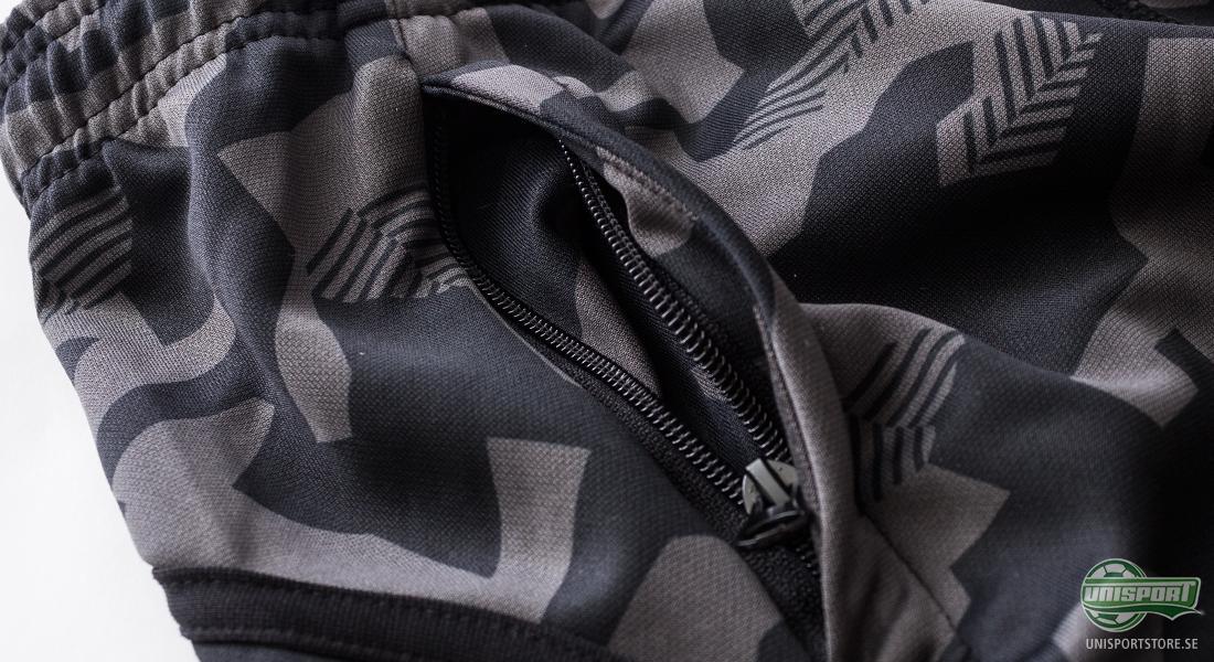 Gillar du att synas så är detta utan tvivel träningsbyxorna för dig. De är  tillverkade i snyggt camouflagemönster och utöver det skarpa utseendet så  är de ... 4213e133a7d5e