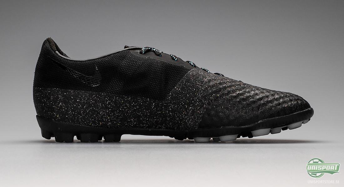 official photos 8e986 73211 Sist ut i kollektionen är Nike Bomba Finale II som är tillverkade för spel  på konstgräs och som är FC247-kollektionens mest slitstarka sko.