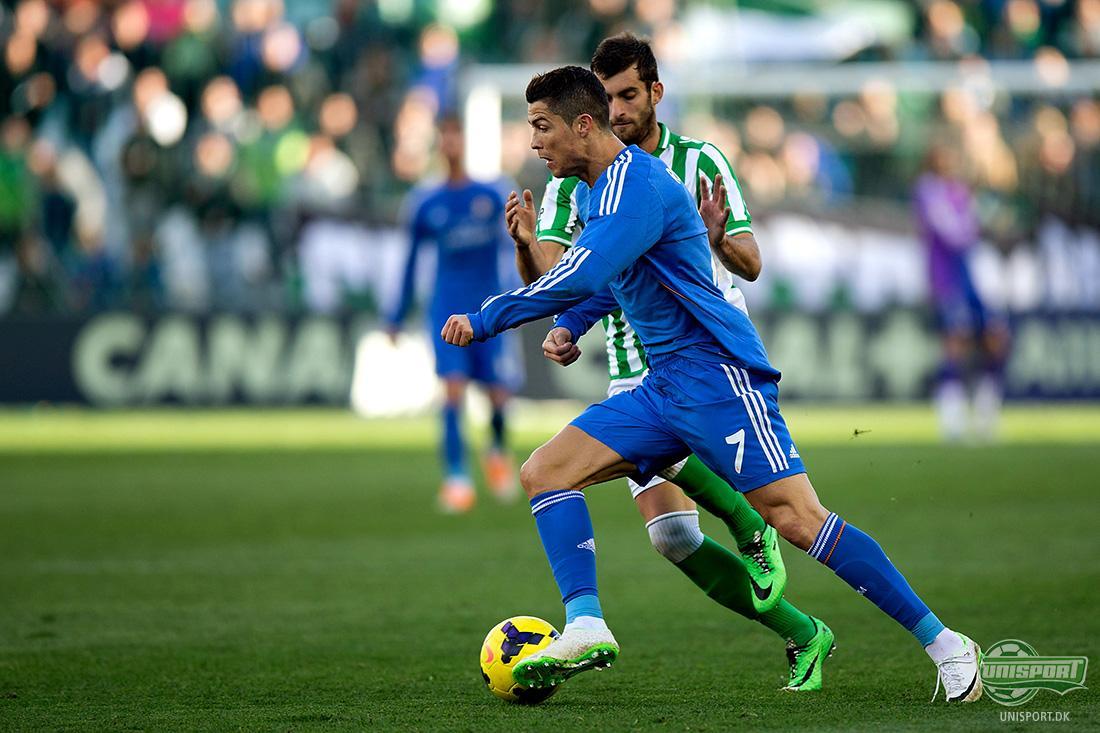 b575c622110 I forbindelse med at Cristiano Ronaldo blev kåret til verdens bedste  fodboldspiller, så synes Nike, at de ville markere, at de altså har en ener  i stalden.