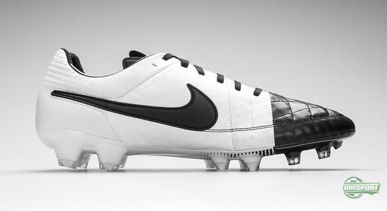 check out a5810 11c79 Nike Tiempo Legend V - the lightest touch in black and white