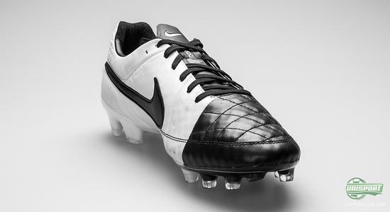 outlet store 0ba1d 7dcc2 nike tiempo legend v black and white