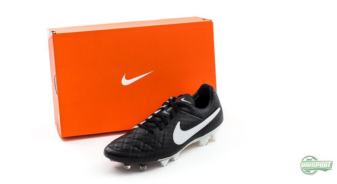 016b5b1b Nike hadde enda en variant av Tiempo Legend V i ermet i januar. En  klassiker-sko må jo selvfølgelig komme i en sort/hvit fargekombinasjon, ...