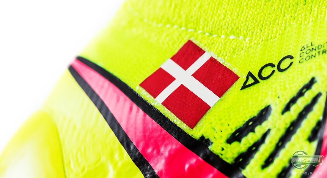 Voetbalschoenen Naam Borduren.Naam En Vlag Op Nike Magista Obra Als De Professionele Sterren