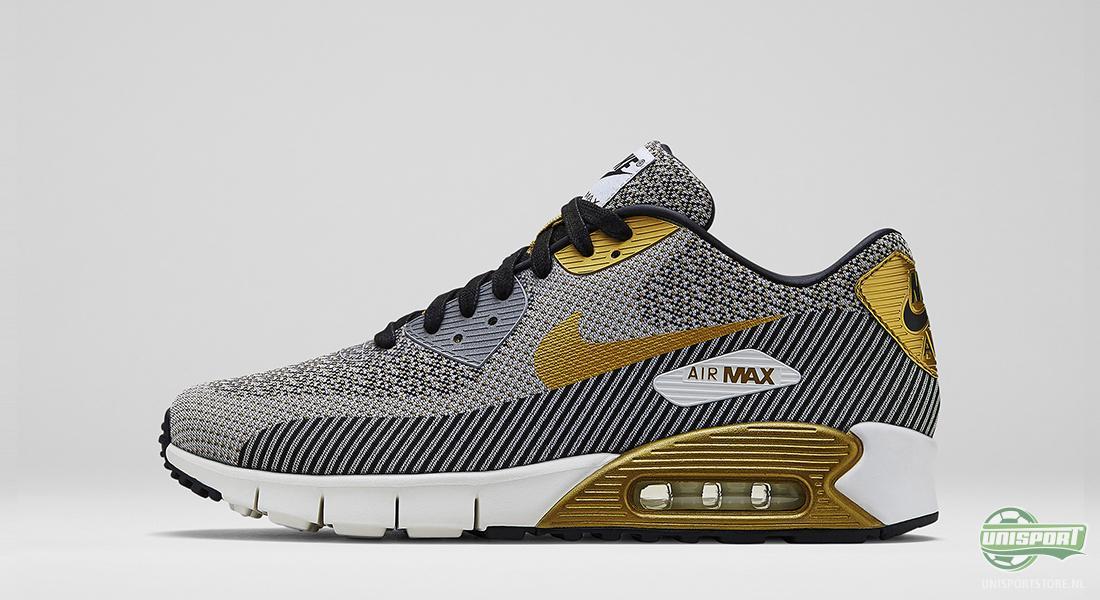 Nikes sneakers worden overladen met goud