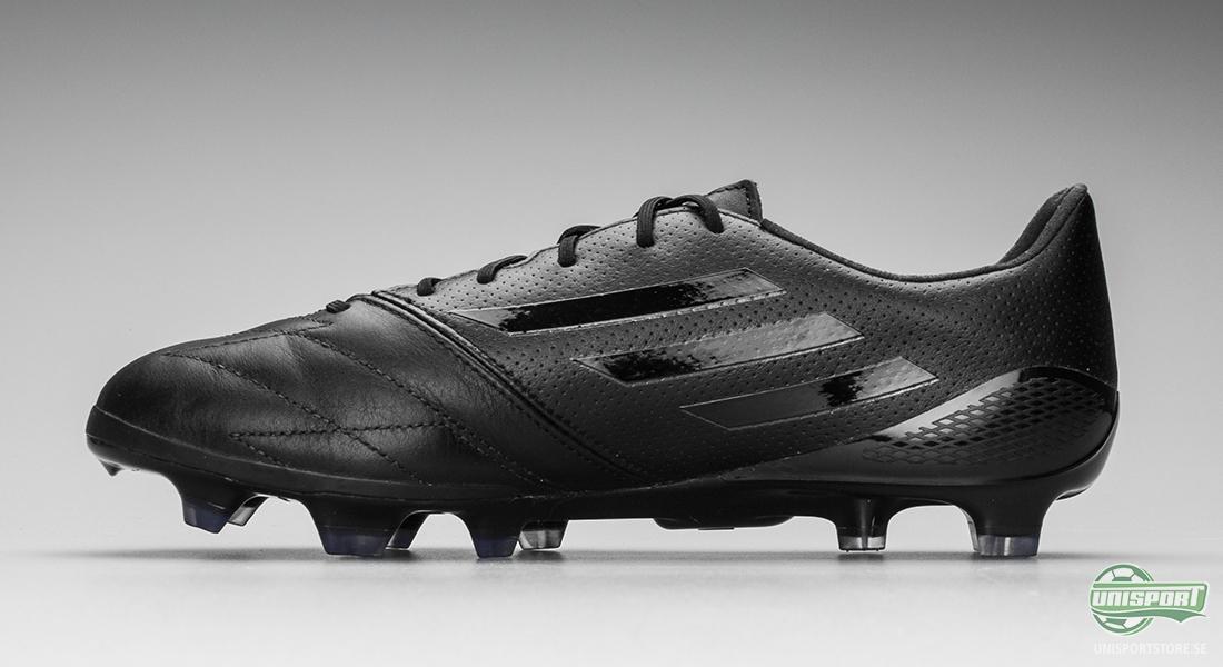 Adidas snabbaste fotbollsskor i svart och vitt läder