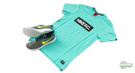 e4b7753e55e Bij Nike is het belangrijk dat dingen matchen en de nieuwe Roshe Run Flyknit  macht niet alleen bij de Magista collectie. Als je ook van Nike F.C. houd  is er ...