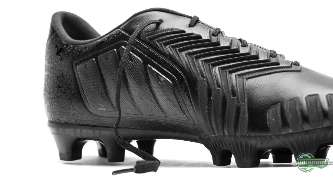 adidas Predator Instinct FG Black Pack