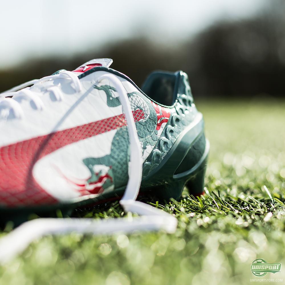 2922a338661 Now Puma rock the boat again. This time they unleash the dragon with the evoSPEED  1.3 Graphic.