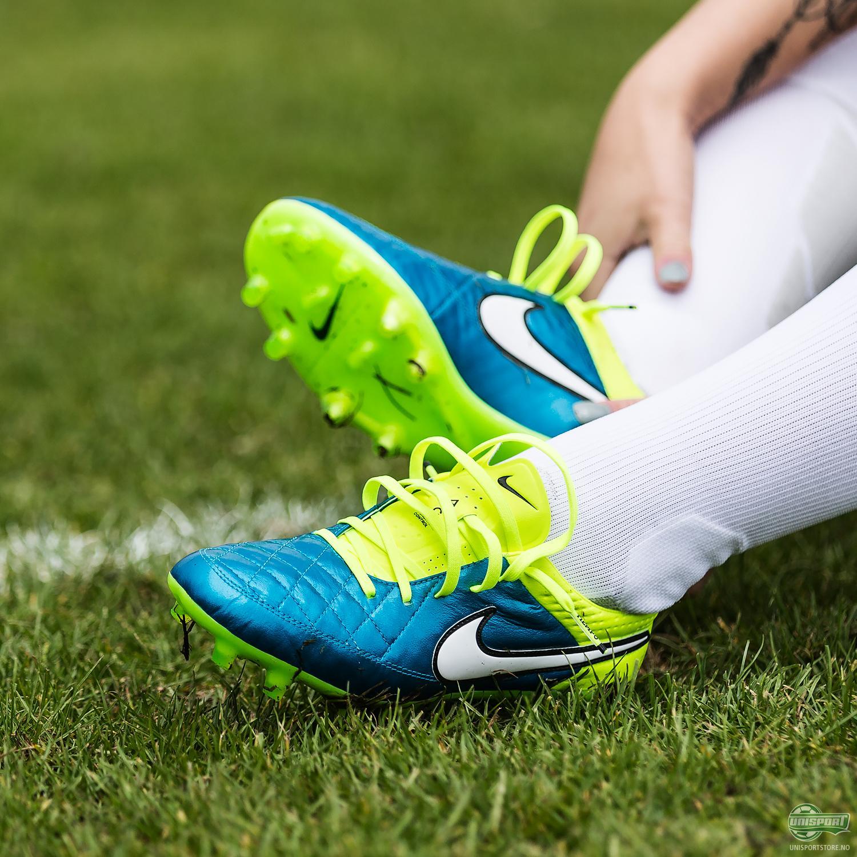 Nike Tiempo Legend Women's football boot