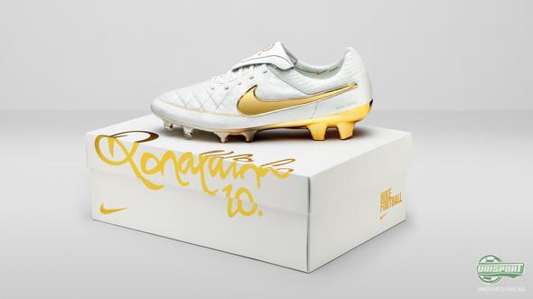 'A Touch of Gold' - Nike presenterer en signatursko til Ronaldinho