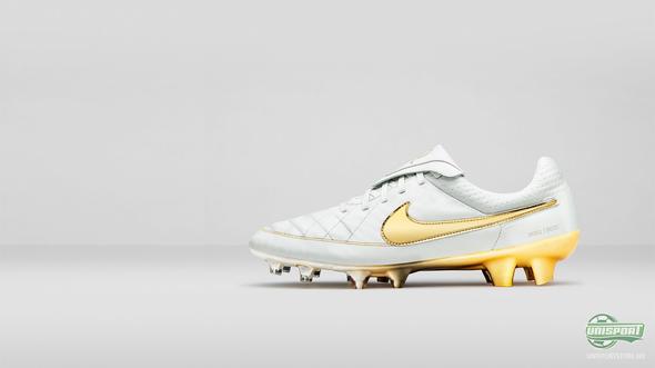 Ronaldinho Crossbar Challenge og Limited Edition Nike Tiempo