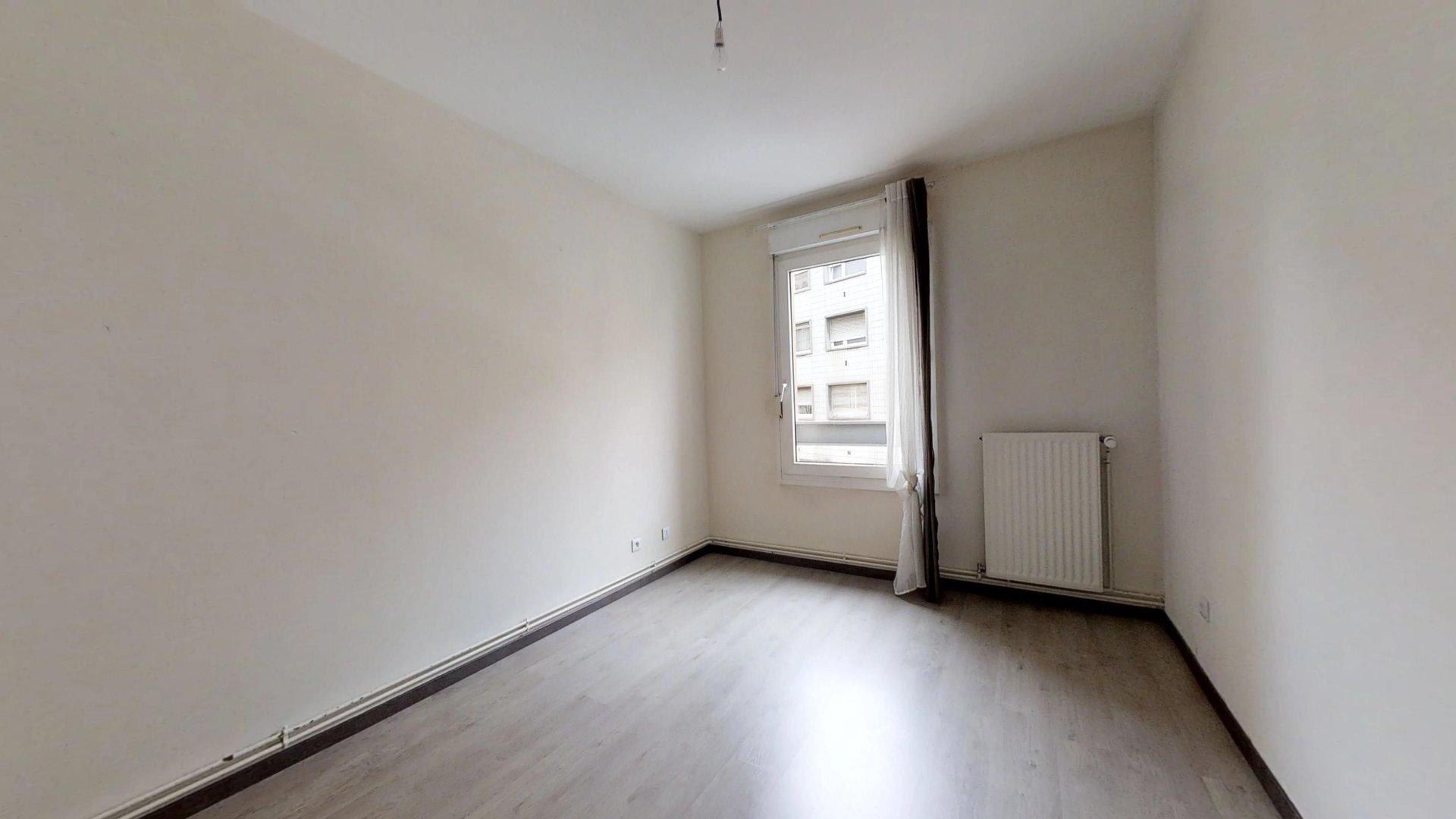 Appartement F2 au centre ville de Montigny les Metz avec cuisine équipée et parking