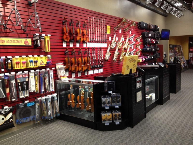 Music & Arts is an online music store that also offers instrument rentals, music lessons & instrument repair at their locations nationwide.