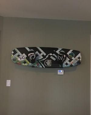 Naked Snow | Minimalist Snowboard Rack