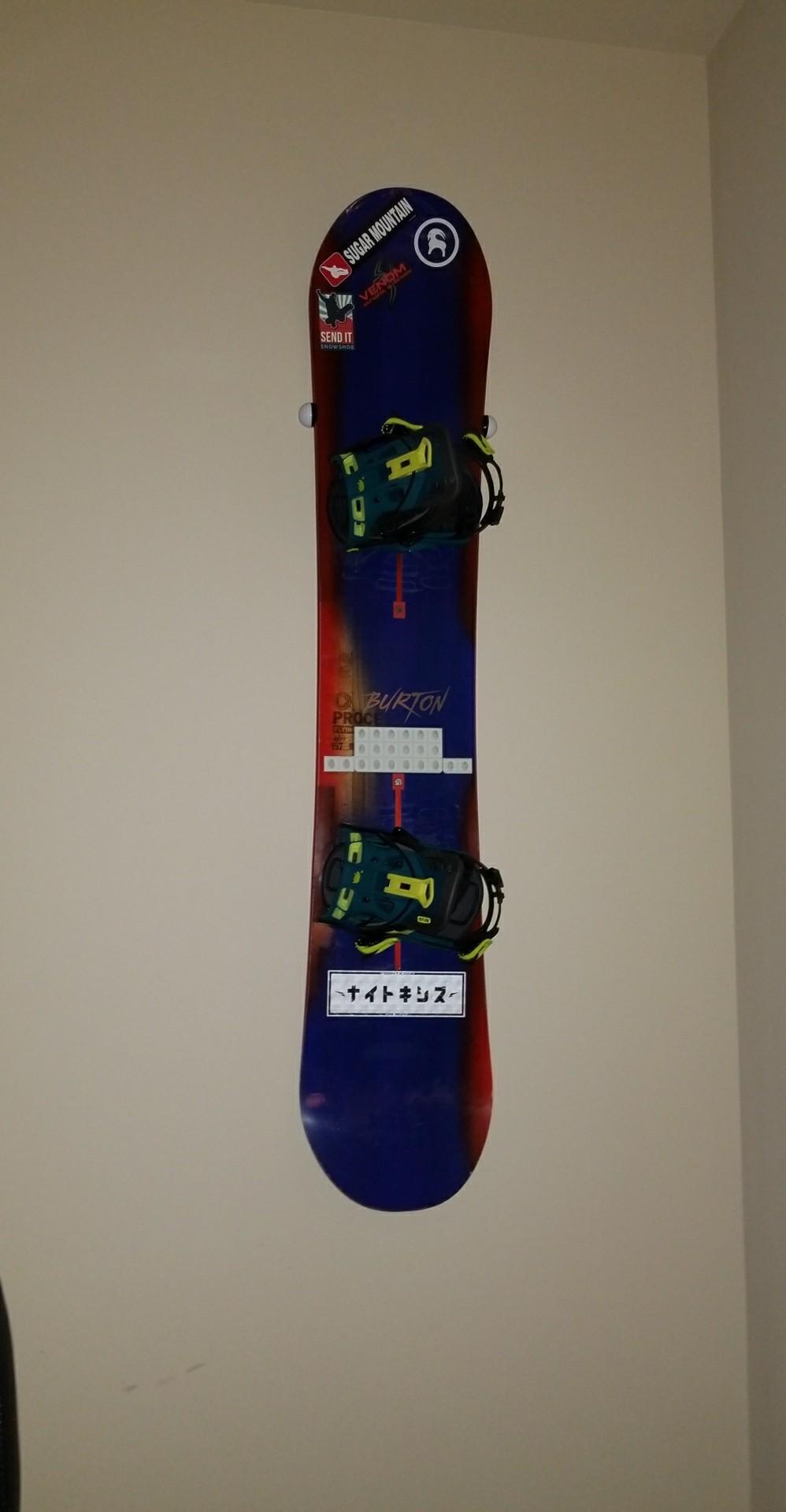 Snowboard Wall Mount Hang Time Storeyourboard Com