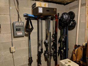 Omni Ski Rack   Holds up to 10 Pairs of Skis   Home & Garage Wall Storage