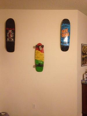 Skateboard Deck Display | Floating Mount - StoreYourBoard.com