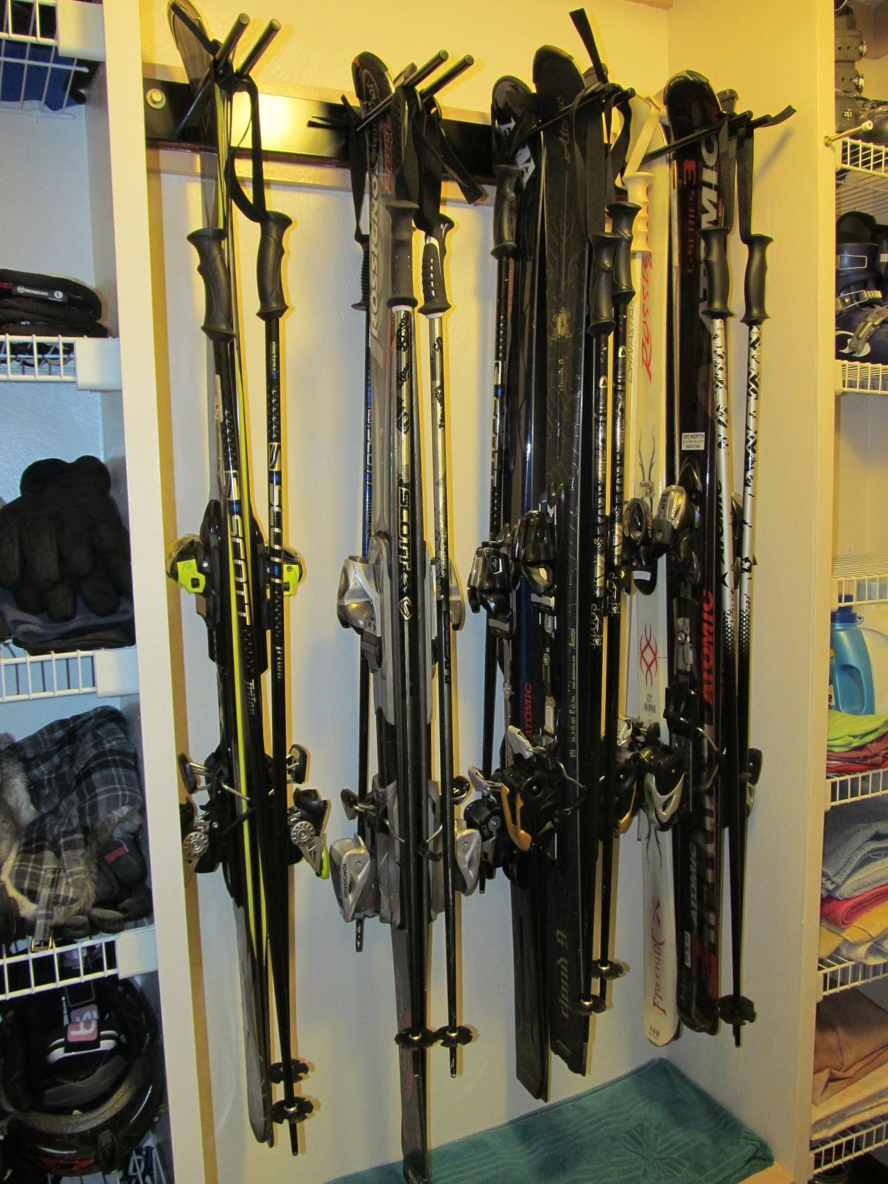Home Utility Ski Rack