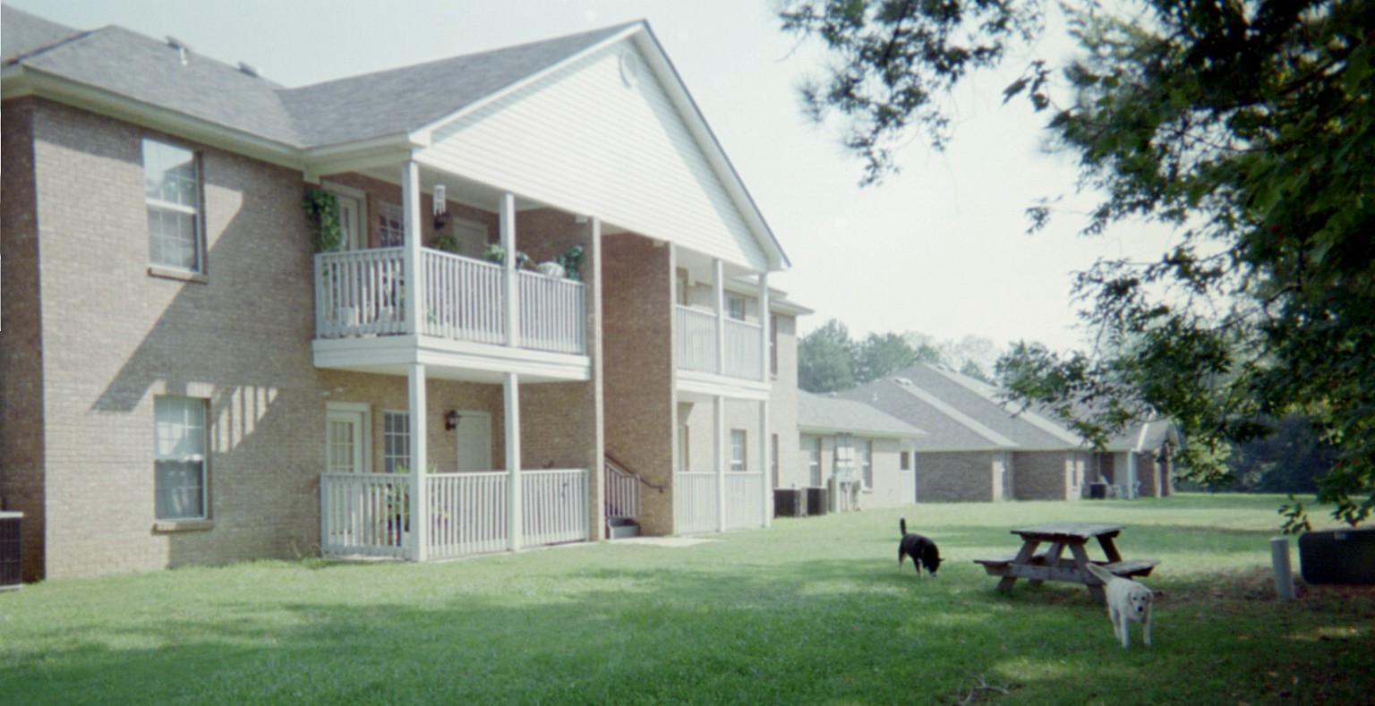 35640 Apartments. Vantage Management   Woodbridge
