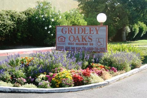Gridley Oaks Apartments
