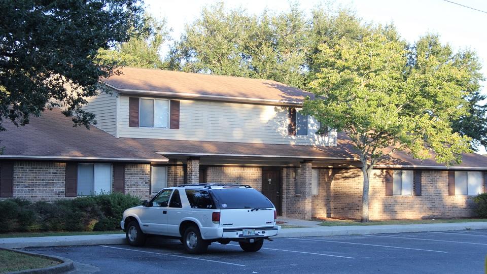 The Villas and Briarwood Apartments