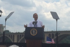 Obama giving speech, image from student internship
