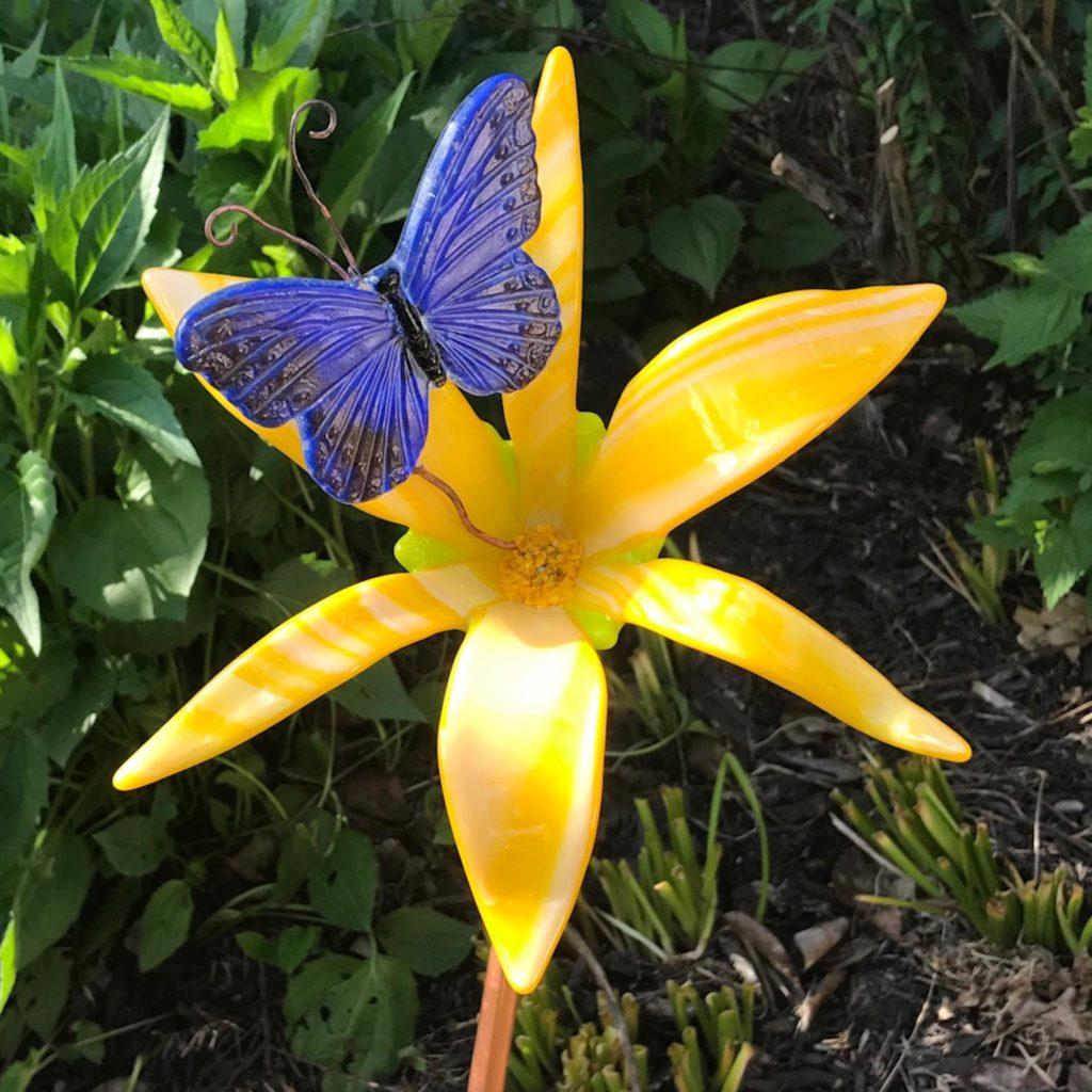 Emily Ohland Alumni Gift Guide Glasswork Flower Artwork
