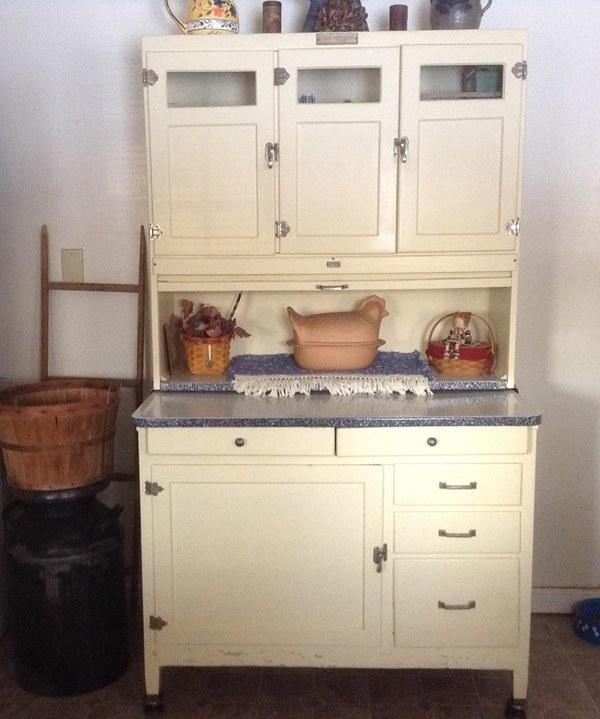 Grandmother's Kitchen: So Much White