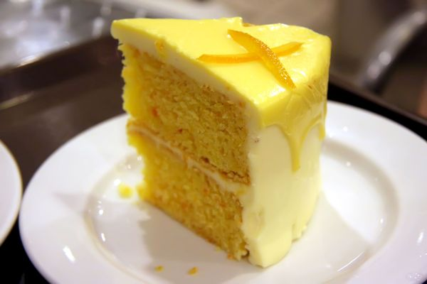 Classic Dessert Recipe Yellow Layer Cake 12 Tomatoes
