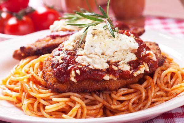 Delicious Comfort Food: Homemade Chicken Parmesan