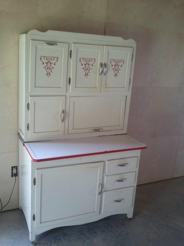 Antique Spotlight: Hoosier Cabinets