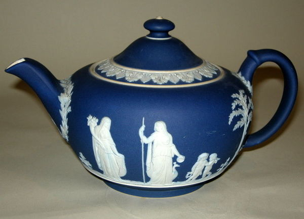 antique wedgwood pottery