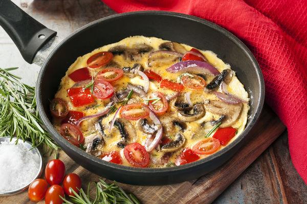 Veggie-Packed Breakfast: Tomato, Mushroom and Onion Skillet