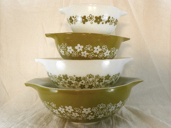 Antique Spotlight: Pyrex Kitchenware