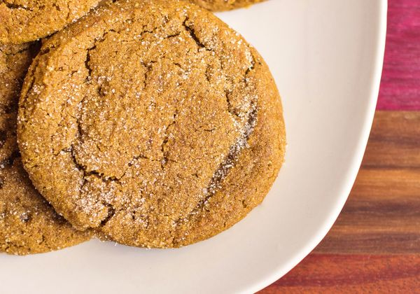 Delicious Dessert Recipe: Chewy Ginger Molasses Cookies